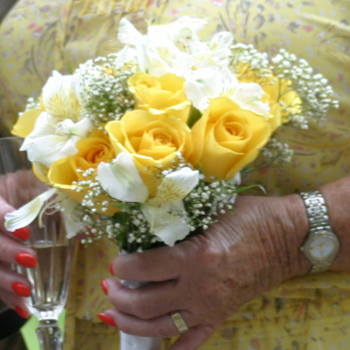 Bridal Bouquet Yellow Roses-Alstromeria
